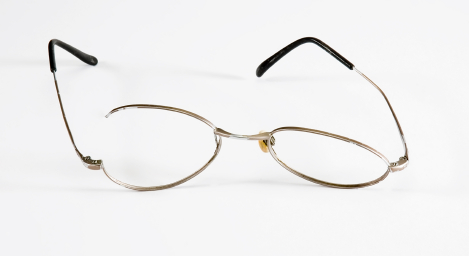 Frame Broke On Glasses : Do You Buy Over-the-Counter Reading Glasses? Aging ...